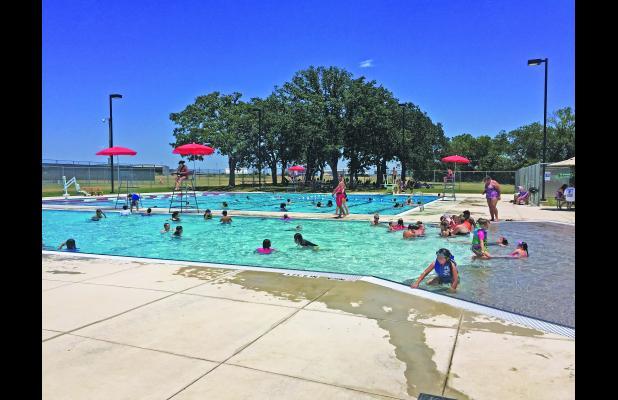 Fredericksburg standard for Garden city swimming pool hours